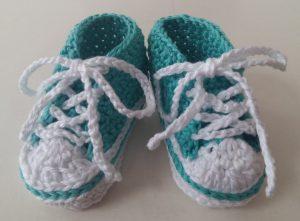 Gehaakte baby sneakers